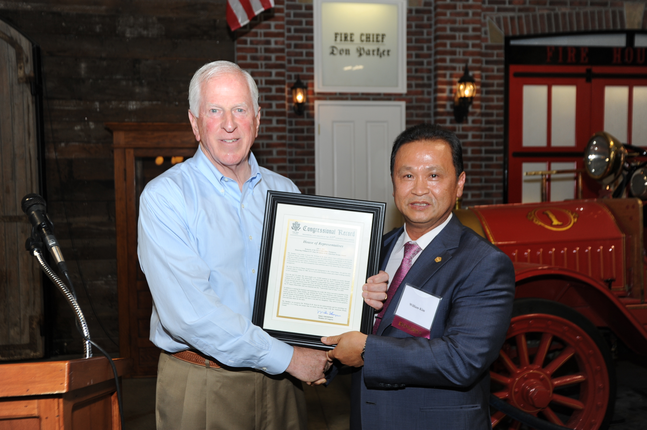 Rep. Thompson presents a My American Dream Award to William Kim